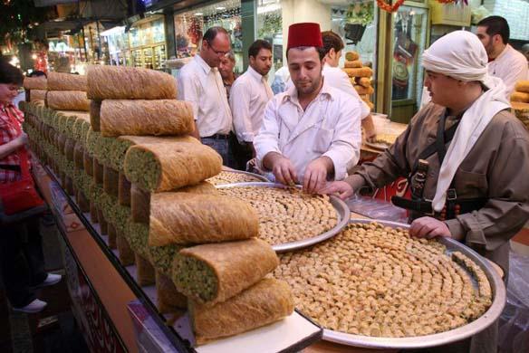 أما في المناطق الوسطى، حمص وحماة وأدلب