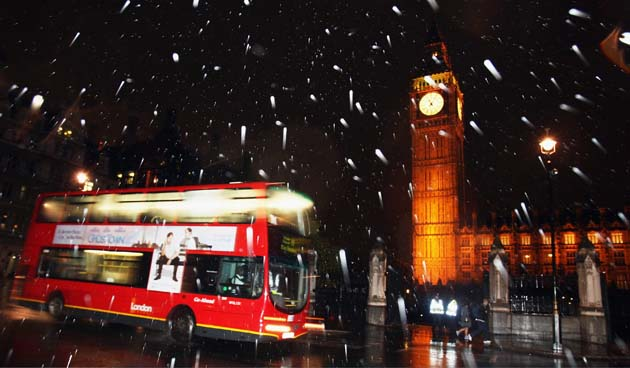 "CRU's forecast: UK winter snowfall will become ""a very rare and exciting event"" GD9378751@LONDON   OCTOBER 28   1609"