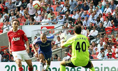 Berbatov scores against Chelsea