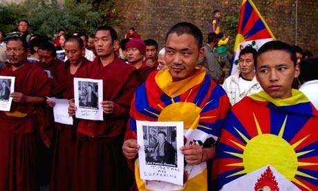 [Image: Tibetan-monks-007.jpg]