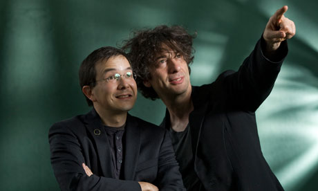 Neil Gaiman (right) and Shaun Tan