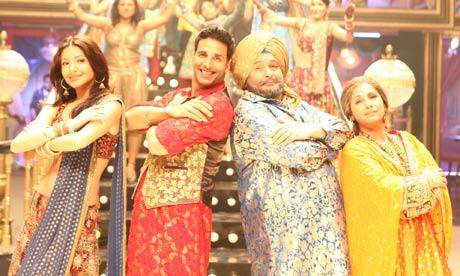 Left to right: Anushka Sharma, Akshay Kumar, Rishi Kapoor, Dimple Kapadia in Patiala House