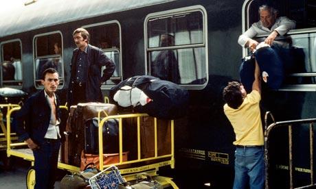 Soviet Jewish refugee families arrive at Vienna