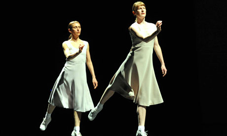 a critique of fase a duet by anne teresa de keersmaeker What would it mean for choreography to perform as an exhibition this question forms the starting point for anne teresa de keersmaeker's latest ground-breaking work work/travail/arbeid.