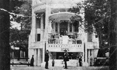 A photograph of Vauxhall Gardens circa 1859.