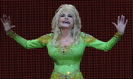 Dolly Parton Performs in Glasgow