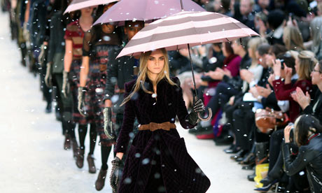 Burberry Prorsum Catwalk - London Fashion Week