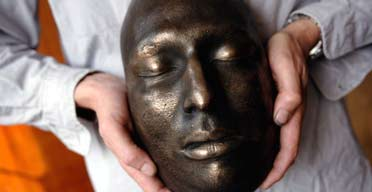Nick Reynolds with the death mask of Jonjo Amamdor