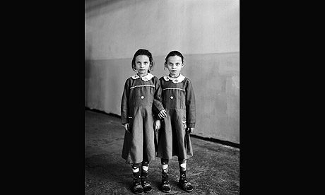 Vanessa Winship, schoolgirls in eastern Anatolia