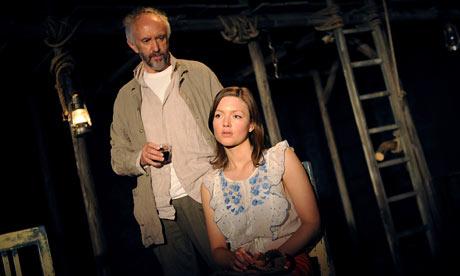 Jonathan Pryce and Holliday Grainger in Dimetos