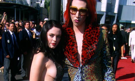 Marilyn Manson (right) and Rose McGowan at the MTV Music awards in LA in