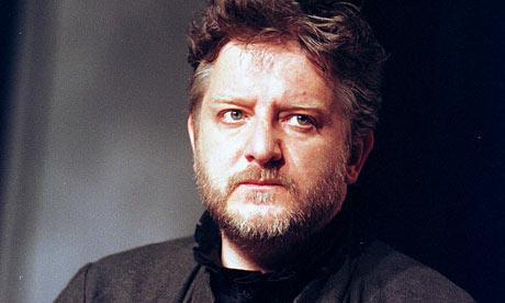 Simon Russell Beale as Hamlet at the Lyttelton in 2000