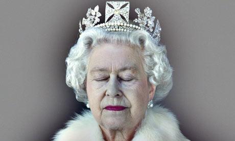 Queen Elizabeth II 001 Bund: Cronaca di un Massacro Annunciato. (Molti ma Molti Pesci Grossi stanno per Farsi male)