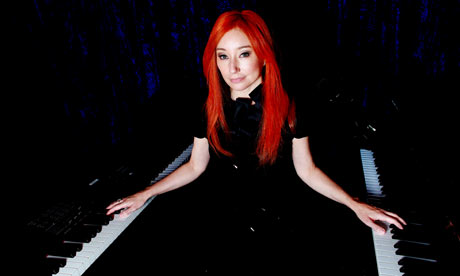 http://static.guim.co.uk/sys-images/Arts/Arts_/Pictures/2010/1/4/1262622200836/tori-amos-001.jpg