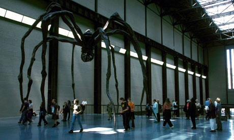 TATE MODERN ART GALLERY, LONDON, BRITAIN - 2000