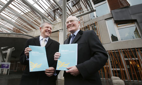 Menzies Campbell and Willie Rennie with the Federalism report