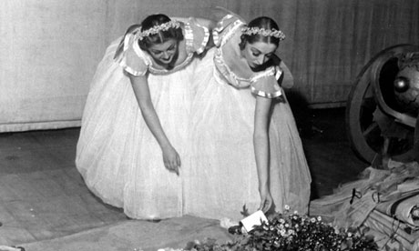 European ballet dancers accept flowers in the 1930s