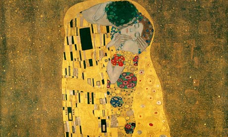 Gustav Klimt's The Kiss is inspiring street artists
