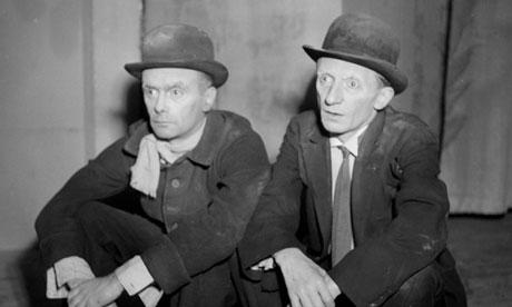 Pierre Latour and Lucien Raimbourg in Samuel Beckett's En attendant Godot at Paris's Théâtre de Baby