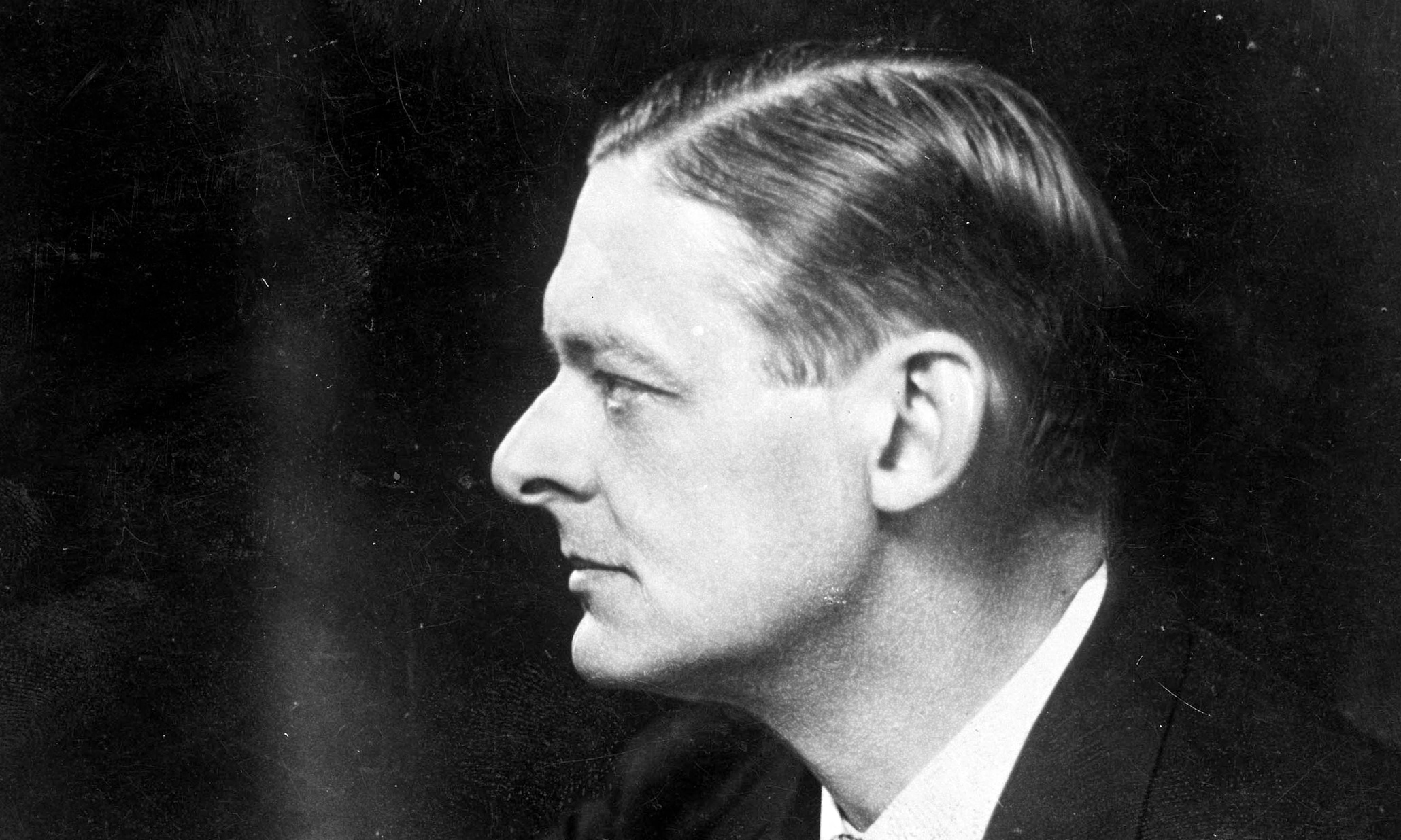 t s eliot modern poet Ts eliot's anti-modernism: poetry and tradition in the european waste land  the poet and novelist thomas hardy was a transitional figure,.