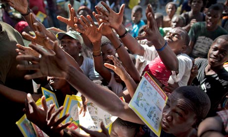 Books-handout-in-Haiti-010.jpg