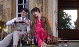 Matthew Goode as Charles Ryder and Ben Whishaw as Sebastian Flyte in Brideshead Revisited (2008)