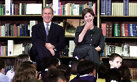 George and Laura Bush meet children from Morningside Primary School at the British Library in 2001