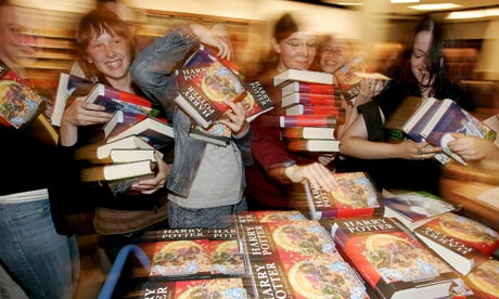 Fans buy copies of Harry Potter and the Deathly Hallows