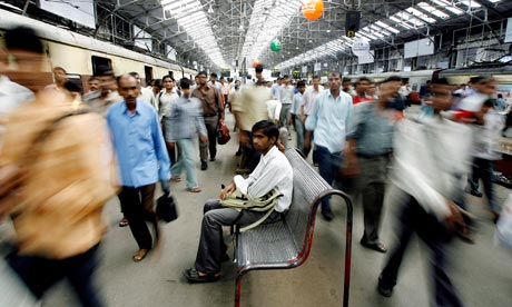 Indian commuters at Churchgate railway station in Mumbai, 11 July 2007