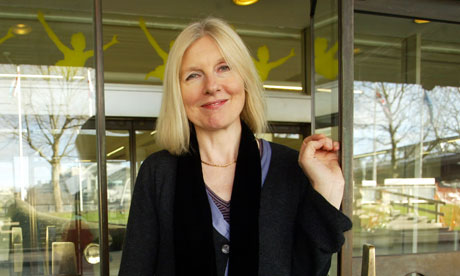 the siege by helen dunmore chapter 17 essay Helen dunmore's the betrayal takes place in post-world war ii leningrad and is the sequel to her novel the siege, which follows andrei and anna mikhailovich through their horrendous experiences in.