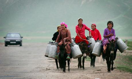 Women water tajikistan