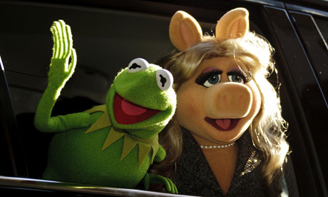 Kermit the Frog and Miss Piggy at a press conference in Spain