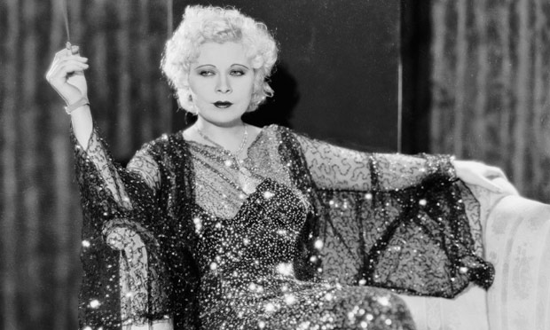 http://static.guim.co.uk/sys-images/Books/Pix/pictures/2013/4/11/1365678647130/Mae-West-in-1932-008.jpg