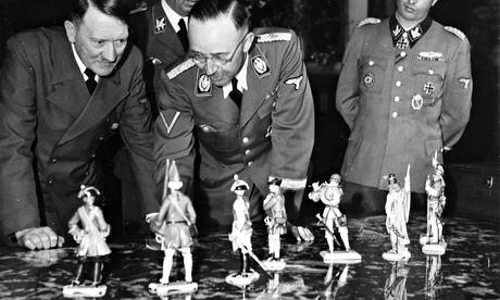 Figurines in Dachau - Edmund de Waal on the Nazis' love of porcelain