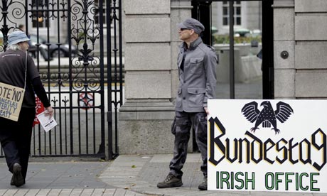 No protesters outside Leinster House ahead of the Irish fiscal treaty referendum.