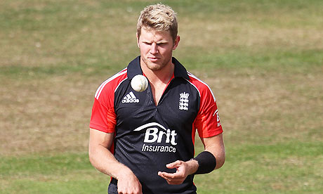 Stuart Meaker playing for England Lions