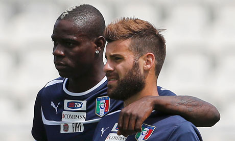 http://static.guim.co.uk/sys-images/Cricket/Pix/pictures/2012/6/8/1339160664124/Italys-Mario-Balotelli-an-008.jpg