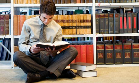 Best Books to Prepare for Law School - LawSchooli