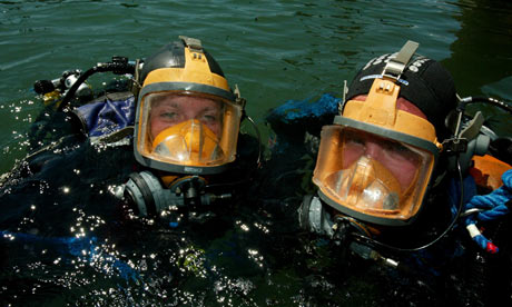 Students on Plymouth's environmental science and ocean science degrees in a scuba diving assessment