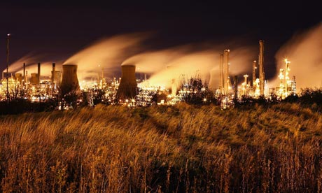 Climate Change And Global Pollution : Grangemouth oil refinery, Longannet ,Scotland