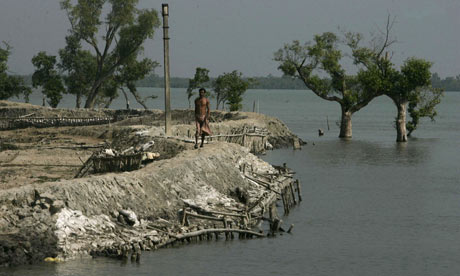 Climate change : rising sea levels in Lahiripur in Sundarban delta