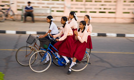 Bike blog :  Schoolgirls riding bicycles in India