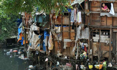 MDG : Poverty : a slum area in the heart of Manila