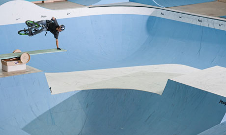 Bike blog : Dagenham swimming pool-turned BMX centre