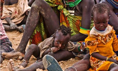 MDG : Famine in Horn of Africa : Turkana women and their children wait at Kakuma Refugee Camp