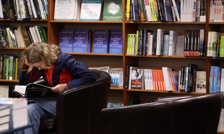 MDG : A student reads a book in a bookshop as Oxford University commences its academic year