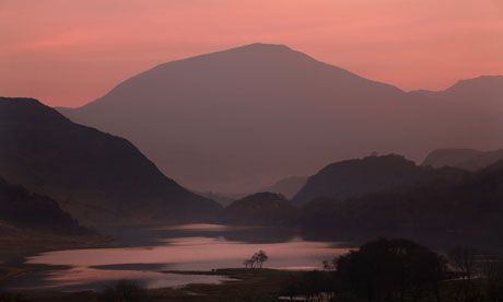 Damian blog : A view of tranquil Llyn Dinas in Snowdonia National Park