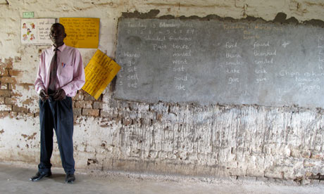 MDG : Zimbabwe education : Fanuel Mtongozi headmaster of Village 9 school