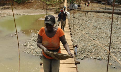 MDG : Colombia : Gold mining near Buenaventu
