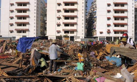 MDG : Cambodia : Land grab : forced eviction of residents from a slum village in Phnom Penh